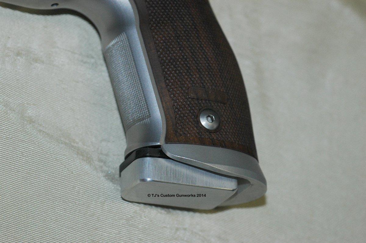 TJ's Sig Sauer P226S X5 9mm Custom Extended Magazine Base Pad
